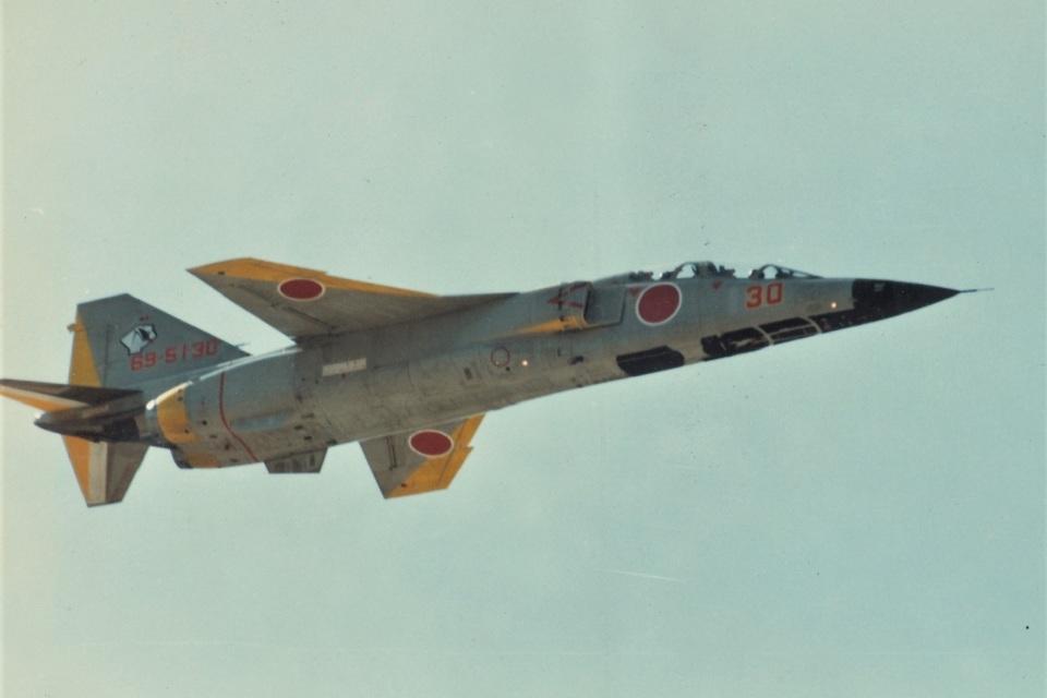 DONKEYさんの航空自衛隊 Mitsubishi T-2 (69-5130) 航空フォト