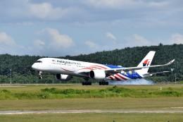 こじゆきさんが、クアラルンプール国際空港で撮影したマレーシア航空 A350-941の航空フォト(飛行機 写真・画像)