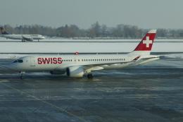 TUILANYAKSUさんが、ボルィースピリ国際空港で撮影したスイスインターナショナルエアラインズ A220-300 (BD-500-1A11)の航空フォト(飛行機 写真・画像)