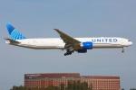 杉の裏さんが、成田国際空港で撮影したユナイテッド航空 777-322/ERの航空フォト(飛行機 写真・画像)