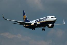 採れたてほしいもさんが、ロンドン・ガトウィック空港で撮影したライアンエア 737-8ASの航空フォト(飛行機 写真・画像)