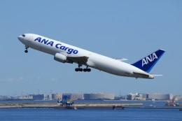 メンチカツさんが、羽田空港で撮影した全日空 767-381Fの航空フォト(飛行機 写真・画像)
