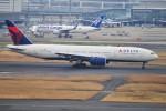 M.Ochiaiさんが、羽田空港で撮影したデルタ航空 777-232/ERの航空フォト(飛行機 写真・画像)