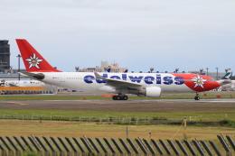 shibu03さんが、成田国際空港で撮影したエーデルワイス航空 A330-223の航空フォト(飛行機 写真・画像)