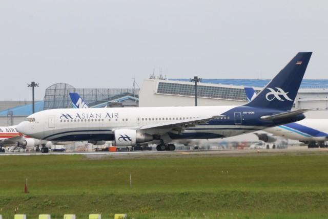 青春の1ページさんが、成田国際空港で撮影したアジアン・エア 767-2J6/ERの航空フォト(飛行機 写真・画像)