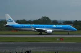 採れたてほしいもさんが、マンチェスター空港で撮影したKLMシティホッパー ERJ-190-100(ERJ-190STD)の航空フォト(飛行機 写真・画像)