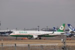 KAZFLYERさんが、成田国際空港で撮影したエバー航空 A321-211の航空フォト(飛行機 写真・画像)