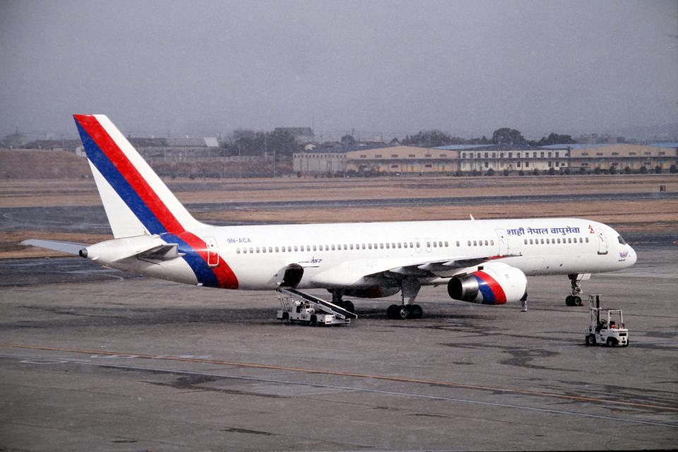 なごやんさんのロイヤル・ネパール航空 Boeing 757-200 (9N-ACA) 航空フォト