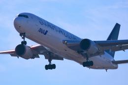 taka1129さんが、羽田空港で撮影した全日空 767-381/ERの航空フォト(飛行機 写真・画像)