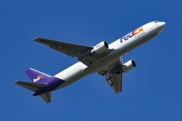 Mochi7D2さんが、成田国際空港で撮影したフェデックス・エクスプレス 767-3S2F/ERの航空フォト(飛行機 写真・画像)
