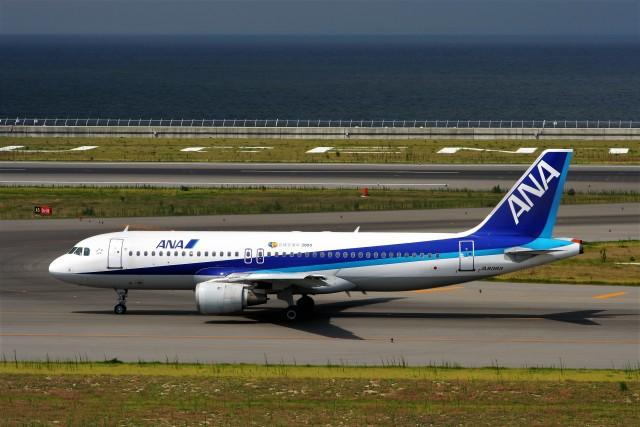 にしやんさんが、中部国際空港で撮影した全日空 A320-211の航空フォト(飛行機 写真・画像)
