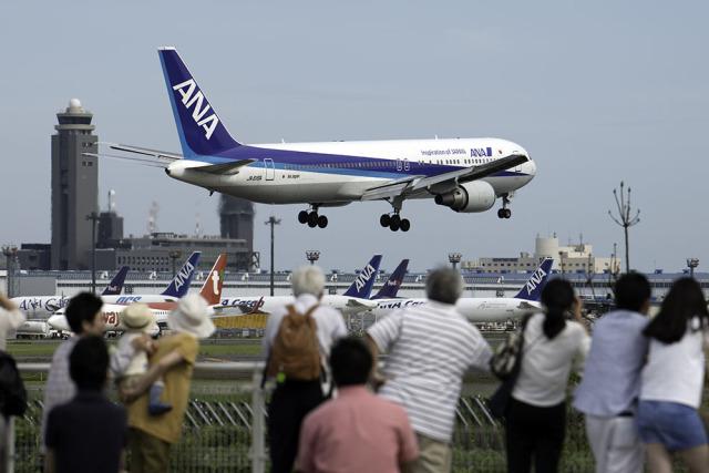 planetさんが、成田国際空港で撮影した全日空 767-381/ERの航空フォト(飛行機 写真・画像)