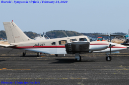 Chofu Spotter Ariaさんが、龍ケ崎飛行場で撮影した日本個人所有 PA-34-220T Seneca IIIの航空フォト(飛行機 写真・画像)
