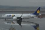 LEGACY-747さんが、新千歳空港で撮影したスカイマーク 737-8FZの航空フォト(飛行機 写真・画像)
