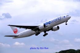 キットカットさんが、福岡空港で撮影した日本航空 777-246の航空フォト(飛行機 写真・画像)