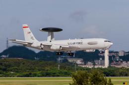 jombohさんが、嘉手納飛行場で撮影したアメリカ空軍 E-3C Sentry (707-300)の航空フォト(飛行機 写真・画像)