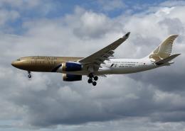 tuckerさんが、ロンドン・ヒースロー空港で撮影したガルフ・エア A330-243の航空フォト(飛行機 写真・画像)