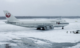 planetさんが、新千歳空港で撮影した日本航空 747-146B/SR/SUDの航空フォト(飛行機 写真・画像)