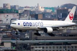 SAMURAI Flyerさんが、伊丹空港で撮影した日本航空 777-246の航空フォト(飛行機 写真・画像)
