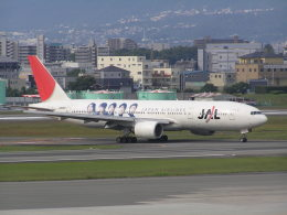 LOVE767さんが、伊丹空港で撮影した日本航空 777-246の航空フォト(飛行機 写真・画像)