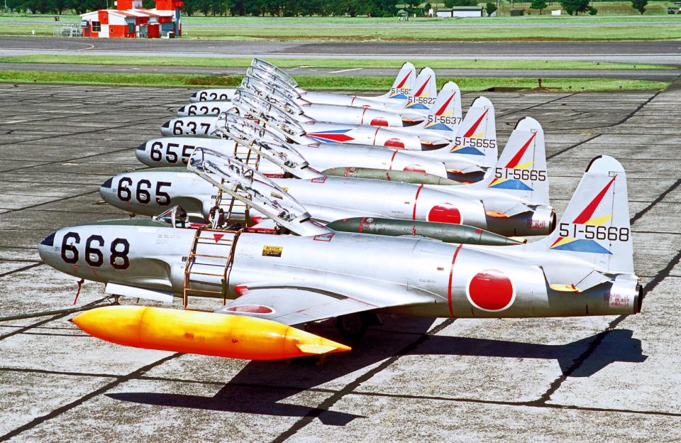 A-330さんの航空自衛隊 Lockheed T-33 Shooting Star (51-5668) 航空フォト