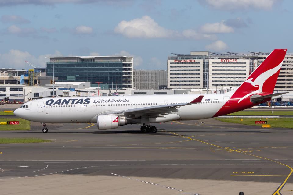 mameshibaさんのカンタス航空 Airbus A330-200 (VH-EBA) 航空フォト