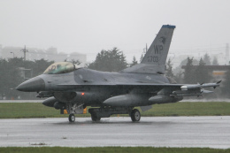 KANTO61さんが、横田基地で撮影したアメリカ空軍 F-16CM-40-CF Fighting Falconの航空フォト(飛行機 写真・画像)