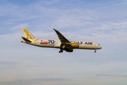 jombohさんが、ロンドン・ヒースロー空港で撮影したガルフ・エア 787-9の航空フォト(飛行機 写真・画像)
