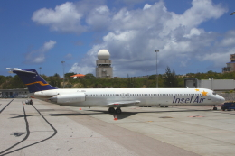 AkilaYさんが、プリンセス・ジュリアナ国際空港で撮影したインセル・エア MD-83 (DC-9-83)の航空フォト(飛行機 写真・画像)
