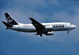 パール大山さんが、ロンドン・ヒースロー空港で撮影したタロム航空 737-36Qの航空フォト(飛行機 写真・画像)