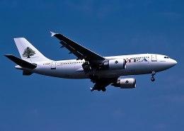 パール大山さんが、ロンドン・ヒースロー空港で撮影したミドル・イースト航空 A310-304の航空フォト(飛行機 写真・画像)