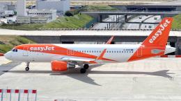 誘喜さんが、パリ オルリー空港で撮影したイージージェット A320-214の航空フォト(飛行機 写真・画像)