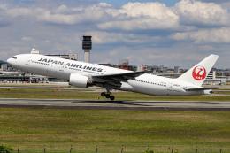 代打の切札さんが、伊丹空港で撮影した日本航空 777-289の航空フォト(飛行機 写真・画像)