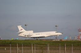 やまけんさんが、羽田空港で撮影した金鹿航空 Falcon 7Xの航空フォト(飛行機 写真・画像)
