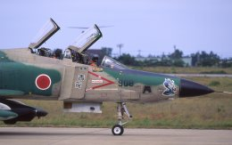 F-4さんが、小松空港で撮影した航空自衛隊 RF-4E Phantom IIの航空フォト(飛行機 写真・画像)