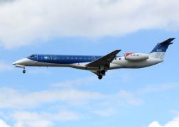 tuckerさんが、ロンドン・ヒースロー空港で撮影したBMIリージョナル ERJ-145EPの航空フォト(飛行機 写真・画像)