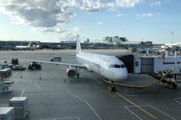 Cassiopeia737さんが、トロント・ピアソン国際空港で撮影したエア・カナダ・ルージュ A321-211の航空フォト(飛行機 写真・画像)