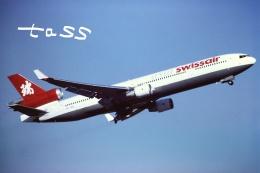 tassさんが、成田国際空港で撮影したスイス航空 MD-11の航空フォト(飛行機 写真・画像)