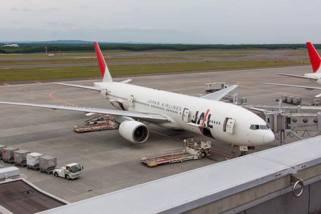 jombohさんが、新千歳空港で撮影した日本航空 777-246の航空フォト(飛行機 写真・画像)