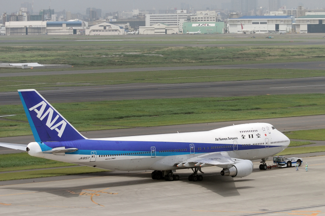 senyoさんが、羽田空港で撮影した全日空 747SR-81の航空フォト(飛行機 写真・画像)