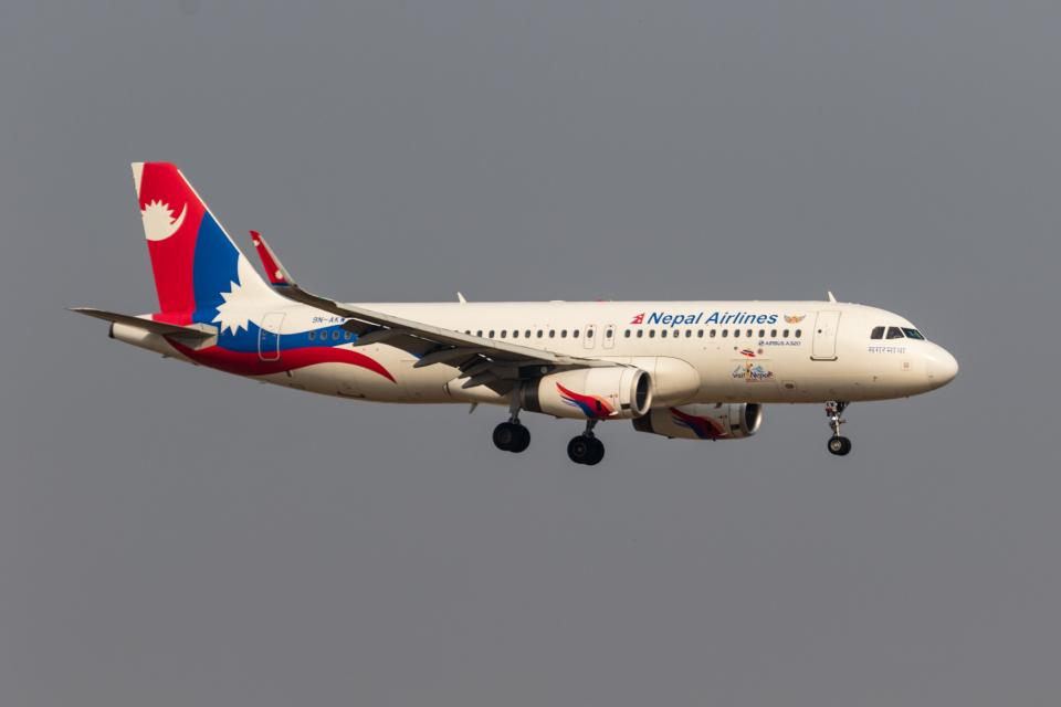 01yy07さんのネパール航空 Airbus A320 (9N-AKW) 航空フォト