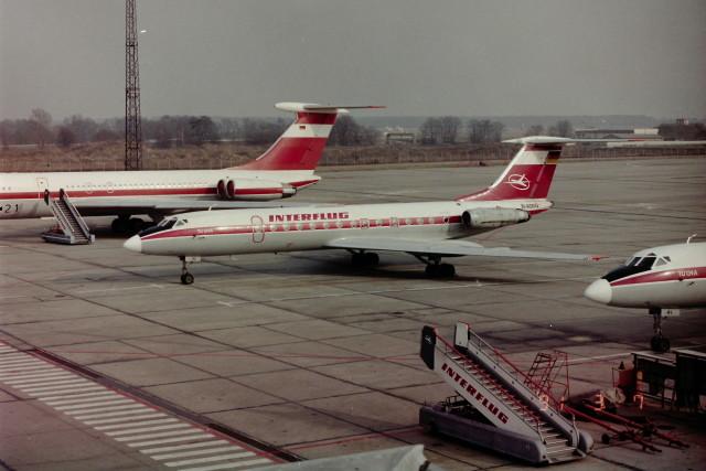 ヒロリンさんが、ベルリン・シェーネフェルト空港で撮影したインターフルーク Tu-134Aの航空フォト(飛行機 写真・画像)