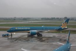 Rsaさんが、ノイバイ国際空港で撮影したベトナム航空 A350-941の航空フォト(飛行機 写真・画像)