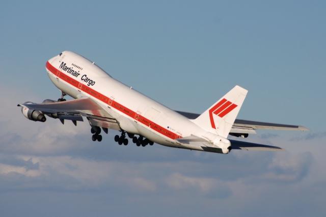 2006年11月12日に撮影されたマーティンエアーの航空機写真