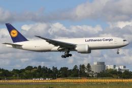 ぽんさんが、成田国際空港で撮影したルフトハンザ・カーゴ 777-FBTの航空フォト(飛行機 写真・画像)