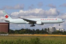 ぽんさんが、成田国際空港で撮影したエア・カナダ 777-333/ERの航空フォト(飛行機 写真・画像)
