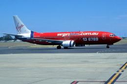 パール大山さんが、シドニー国際空港で撮影したヴァージン・ブルー 737-43Qの航空フォト(飛行機 写真・画像)