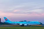 SGR RT 改さんが、成田国際空港で撮影した大韓航空 747-8HTFの航空フォト(飛行機 写真・画像)