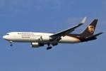 walker2000さんが、成田国際空港で撮影したUPS航空 767-34AF/ERの航空フォト(飛行機 写真・画像)