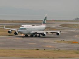 KMBさんが、関西国際空港で撮影したキャセイパシフィック航空 747-412(BCF)の航空フォト(飛行機 写真・画像)